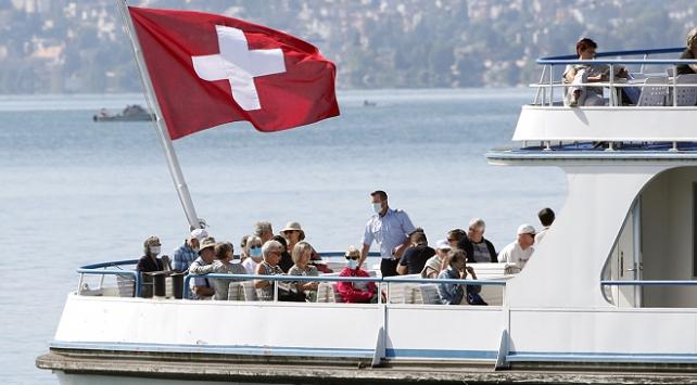 İsviçrede COVID-19 vakalarında rekor artış