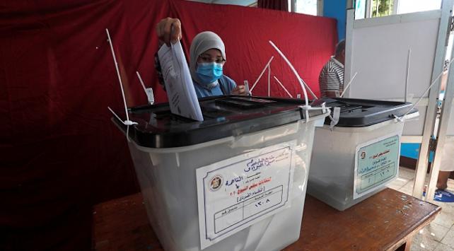 Mısırda seçimleri boykot eden 54 milyon kişi savcılığa sevk ediliyor