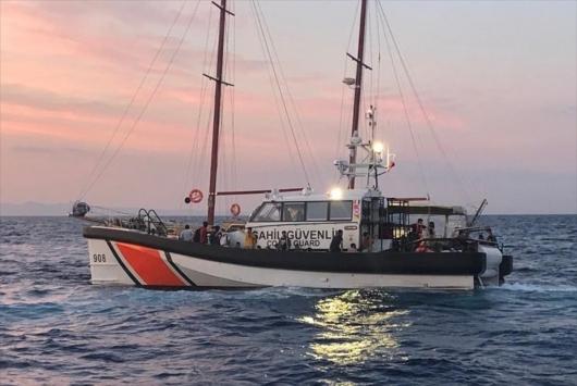 Çanakkalede tekneleri sürüklenen 145 düzensiz göçmen kurtarıldı