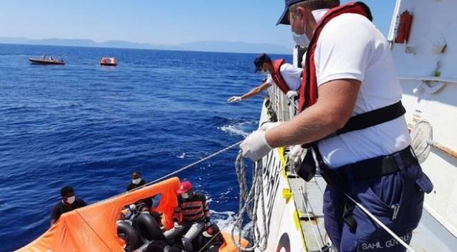 Türk karasularına geri itilen 41 sığınmacı kurtarıldı