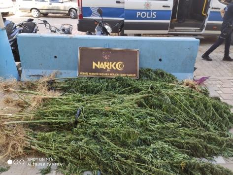 İzmirdeki uyuşturucu operasyonunda bir kişi tutuklandı