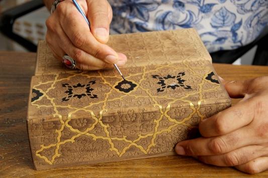 Osmanlı süsleme sanatını öğrenmek için İstanbuldan Edirneye geliyor