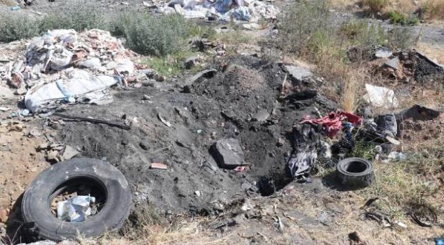 İzmirde kız çocuğunun toprağa gömülü cesedi bulundu