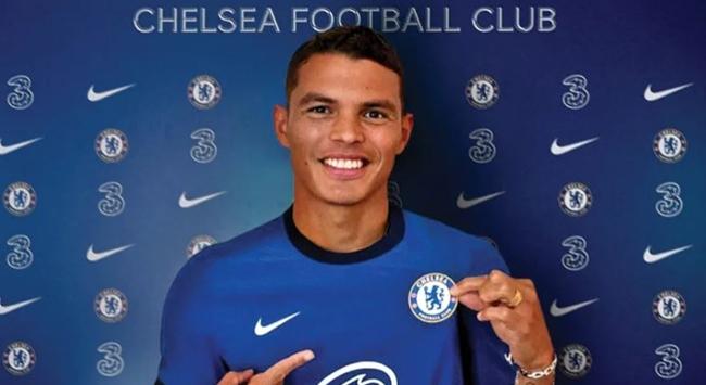 Chelsea, Thiago Silvayı transfer etti