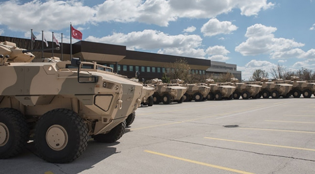 Türk savunma sanayiinden Ummana zırhlı araç teslimatı