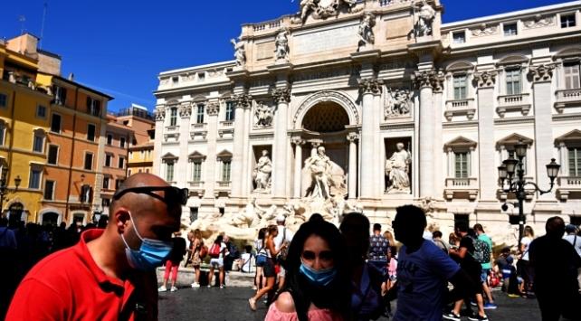 İtalyada son 24 saatte 1462 yeni vaka tespit edildi