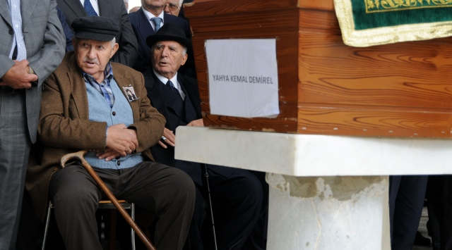 Yahya Kemal Demirel Defnedildi