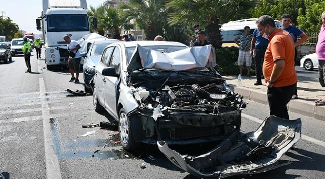 Manisada zincirleme trafik kazası: 5 yaralı