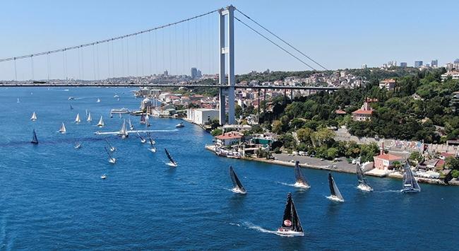 Yelkenlilerin yarışı İstanbul Boğazında başladı