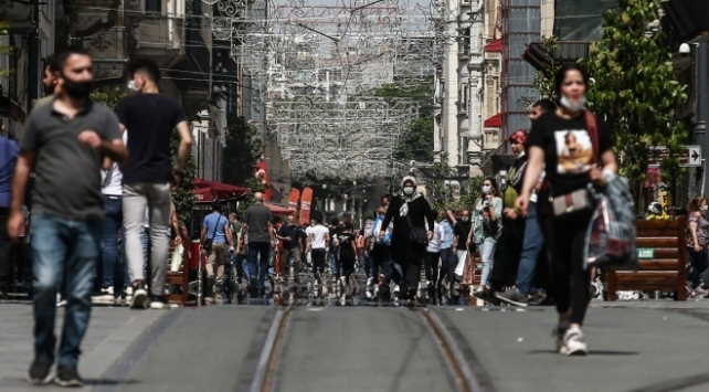 Türkiyede iyileşenlerin sayısı 242 bin 812ye yükseldi