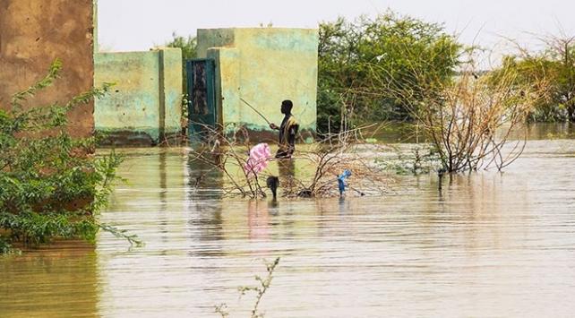 Sudandaki sel felaketinde ölü sayısı artıyor