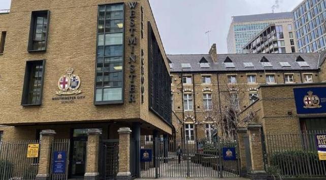 İngilterede okullar yeniden açıldı