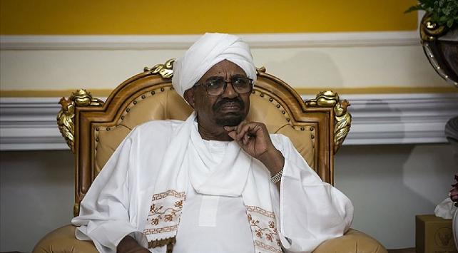 Eski Sudan Cumhurbaşkanı Beşirin yargılandığı dava 15 Eylüle ertelendi