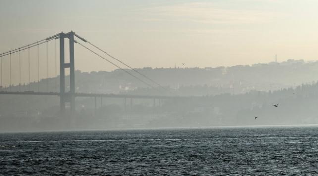 İstanbul Boğazında sis