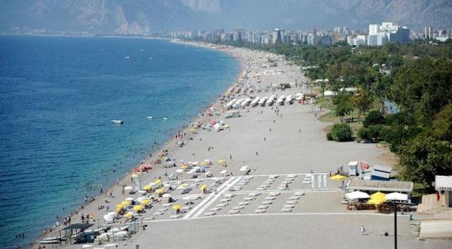 Antalya 8 ayda 1 milyon 558 bin turisti ağırladı