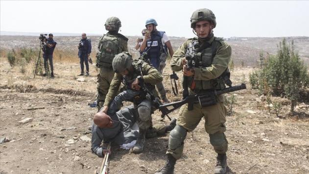 Filistinli Hanun: İsrail askeri diziyle omzuma çöktüğünde, George Floydu hatırladım