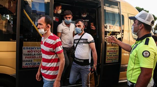 İstanbulda koronavirüs denetimi: Fazla yolcu taşıyan şoföre ceza