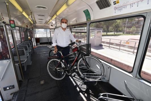 Konyada sadece bisikletliler için tasarlanan tramvay yolculuğa başladı