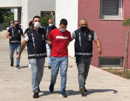 Adanada hastane bahçesinde iki kişiyi yaralayan şüpheli tutuklandı