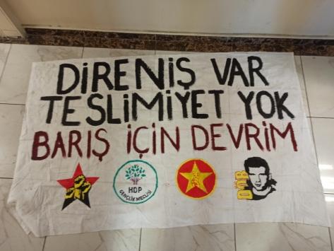 İstanbulda terör örgütü propagandası yaptığı öne sürülen 17 kişi yakalandı