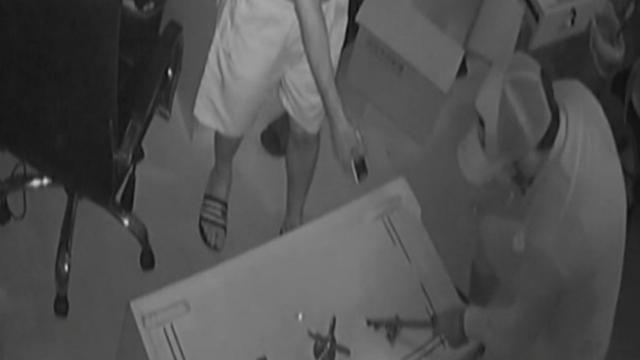 Çelik kasa hırsızları kamerada