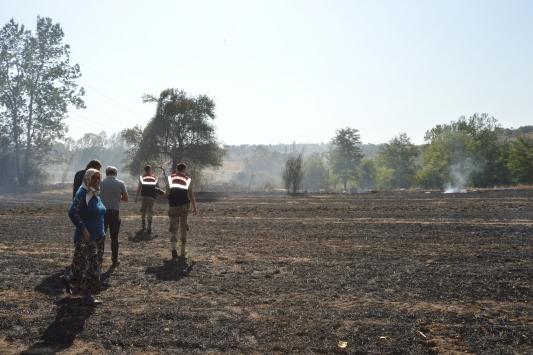 Samsunda anız yangınının sıçraması sonucu ahır, samanlık ve garaj yandı