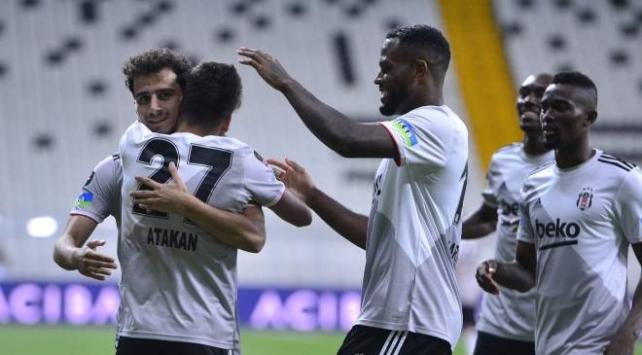Beşiktaş, Antalyasporu 3-0 mağlup etti