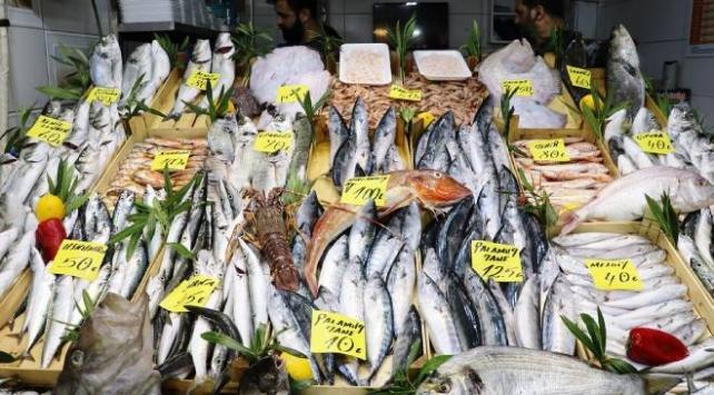 Çanakkalede tezgahlar balıkla doldu