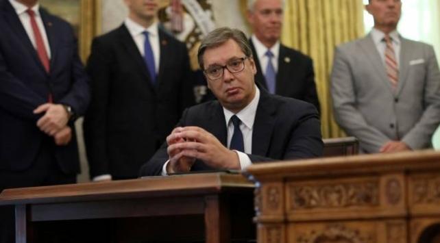 Sırp lider Vucicin Beyaz Saraydaki görüntüleri tartışılıyor