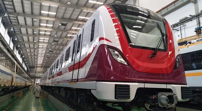 Gayrettepe-İstanbul Havalimanı Metrosunda ilk tren raylarda