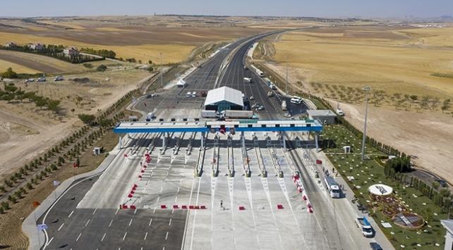 Ankara-Niğde Otoyolundan ilk gün 10 bine yakın araç geçti