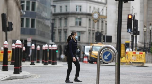 İngilterede son 107 günün en yüksek vaka sayısı açıklandı
