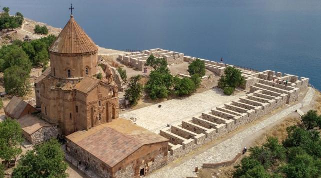 Vakıflar Genel Müdürlüğü 12 kiliseyi restore etti