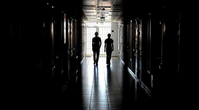 Cezaevlerindeki 14 bin 128 tutuklu ve hükümlü yükseköğrenimine devam ediyor
