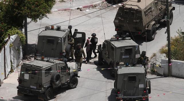 İsrail güçleri Batı Şeriada 46 Filistinliyi gözaltına aldı