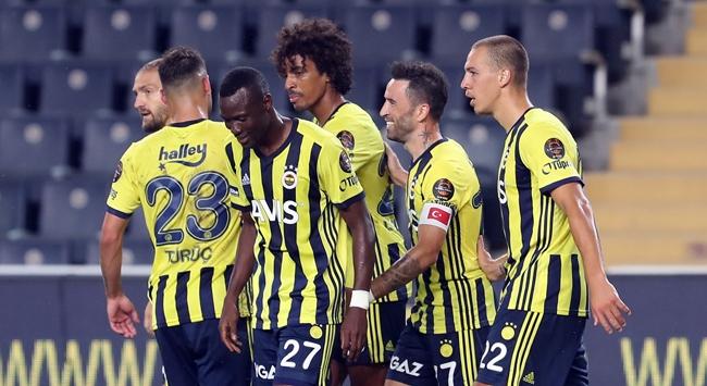 Süper Ligde unvanlar Fenerbahçede
