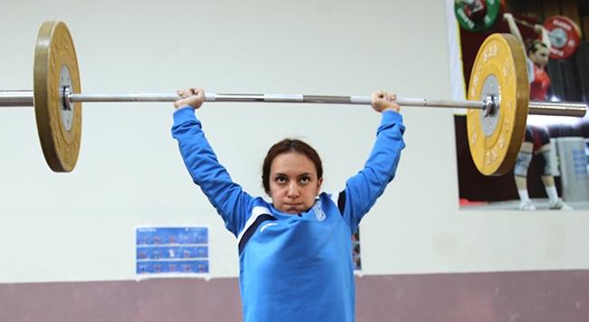 Milli halterci Şaziye Erdoğanın gözü olimpiyat kotasında