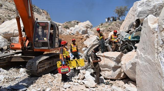 Pakistanda mermer madeni çöktü: 16 ölü