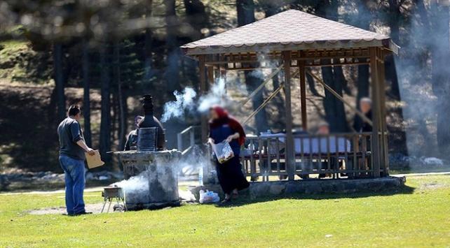 Erzincanda tüm alanlarda piknik yasaklandı