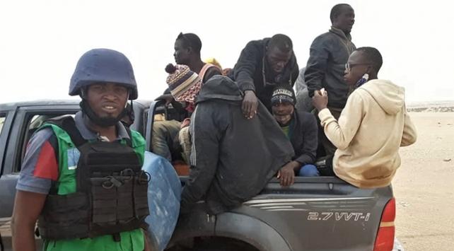 Sahra Çölünde terk edilen 80 sığınmacı kurtarıldı