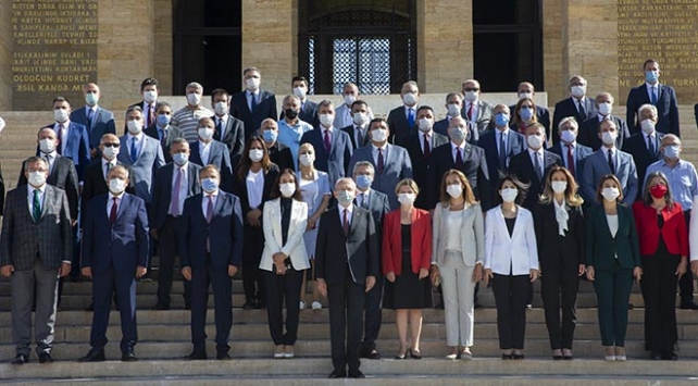 CHP Genel Başkanı Kılıçdaroğlu ve parti heyeti Anıtkabiri ziyaret etti