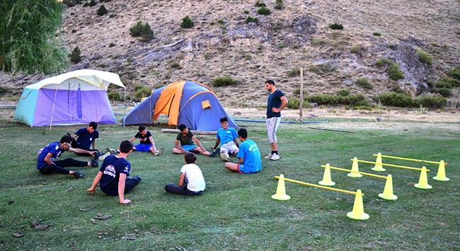 Voleybol tutkunu dağ köyü takımı: Gezlevispor