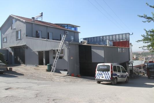 Konyada iş yerinin çatısında akıma kapılan kişi yaralandı