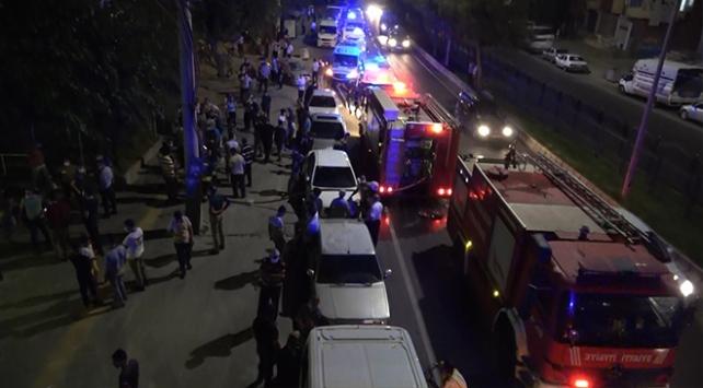 Karantinadaki kardeşler evi yaktı, gazetecilere saldırdı