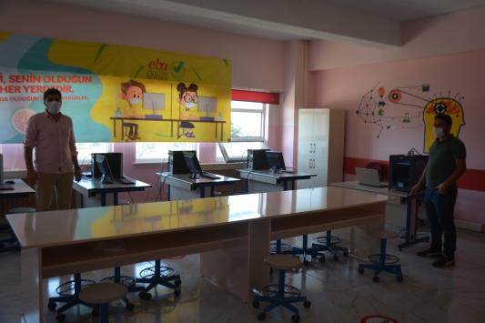 """Tatvandaki 2 okulda """"EBA Destek Noktası"""" kuruldu"""