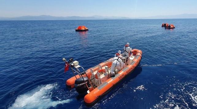Türk karasularına geri itilen 16 sığınmacı kurtarıldı