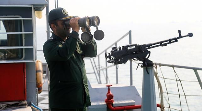 İran ordusundan Umman Denizinde tatbikat