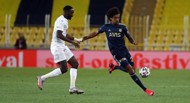 Fenerbahçe ligdeki rakiplerine karşı üstün