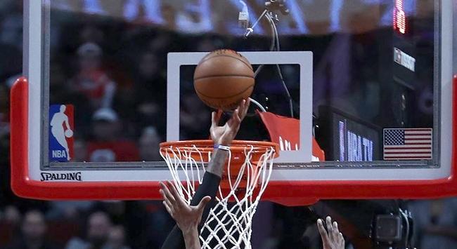 Toronto Raptors seriyi son maça taşıdı