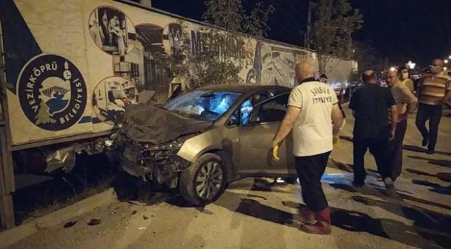 Samsunda iki otomobil çarpıştı: 2 ölü, 3 yaralı